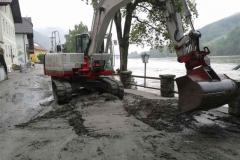 Aufraeumarbeiten Hochwasser 2013